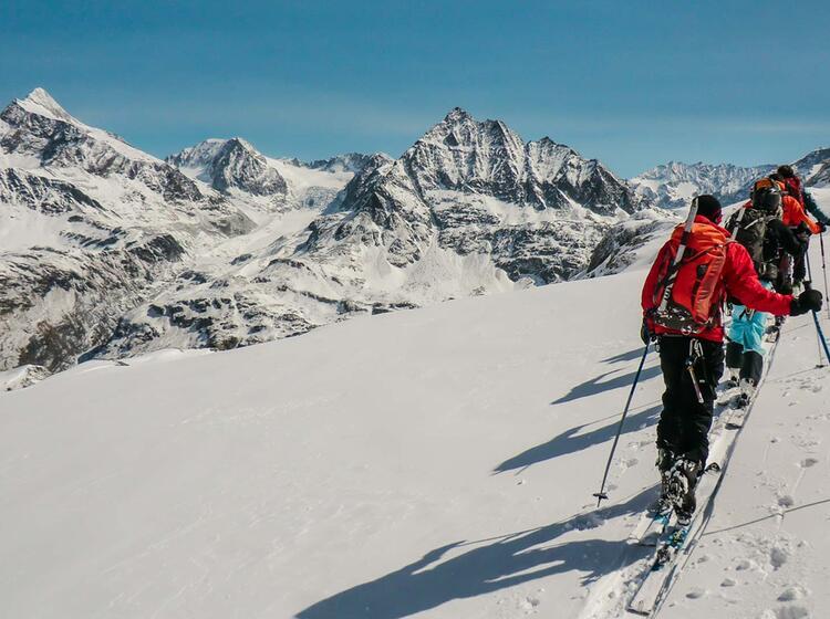 Traum Kulisse Im Wallis Auf Der Haute Route Skidurchquerung Mit Bergfuehrer