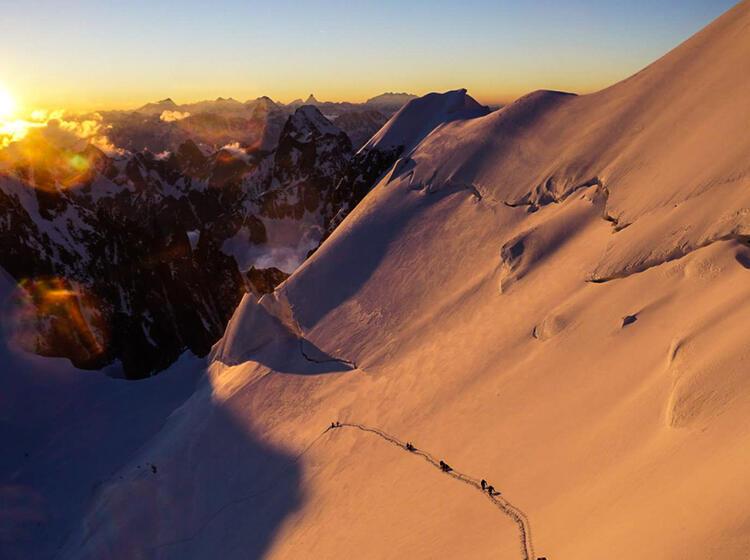 Traverse Am Maunt Maudit Im Aufstieg Zum Mont Blanc