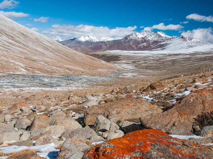 Trekking In Ladakh Auf Der Hochebene Von Nimaling
