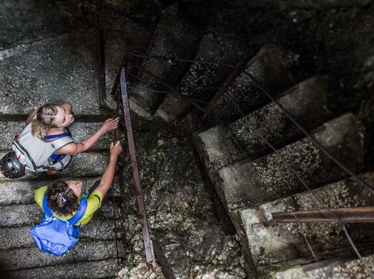 Treppen In Der Hoellentalklamm