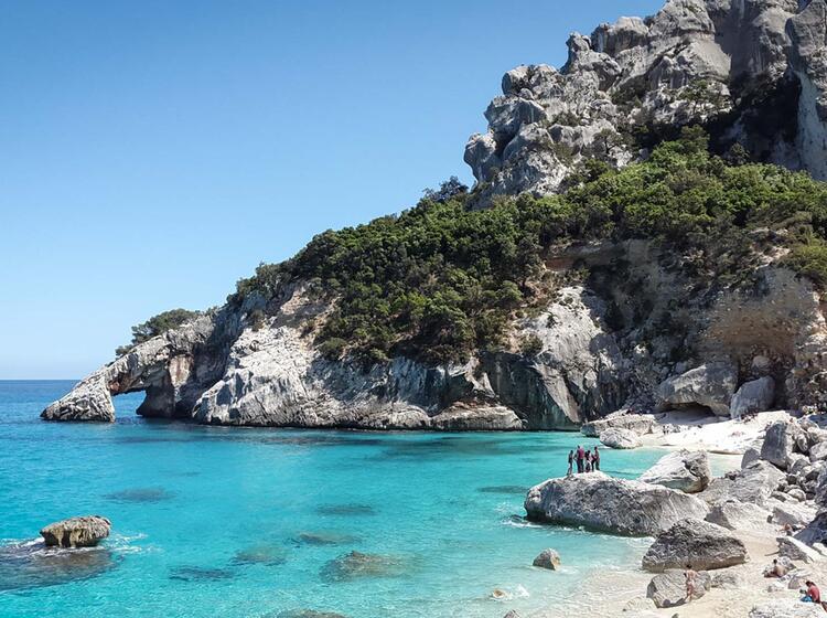 Tu Rkisblaues Meer Segeln Klettern Auf Sardinien 4
