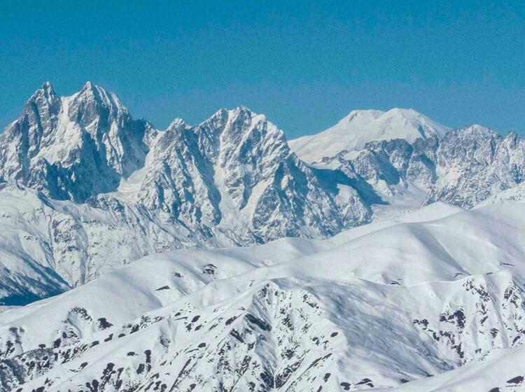 Ushba Und Elbrus