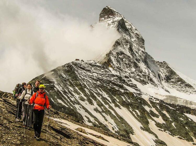 Wandern Auf Dem Hoehenweg Rund Um Zermatt