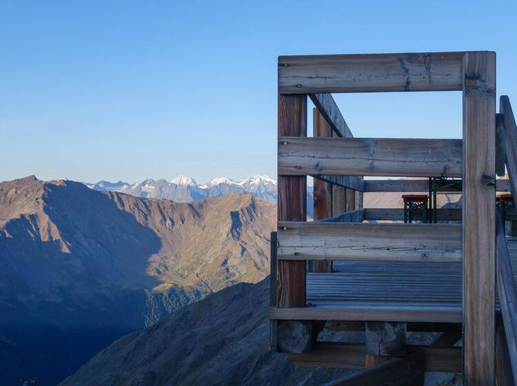Wandern Im Oetztal Auf Der Alpenueberquerung
