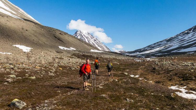 Wandern In Einer Gruppe In Norwegen