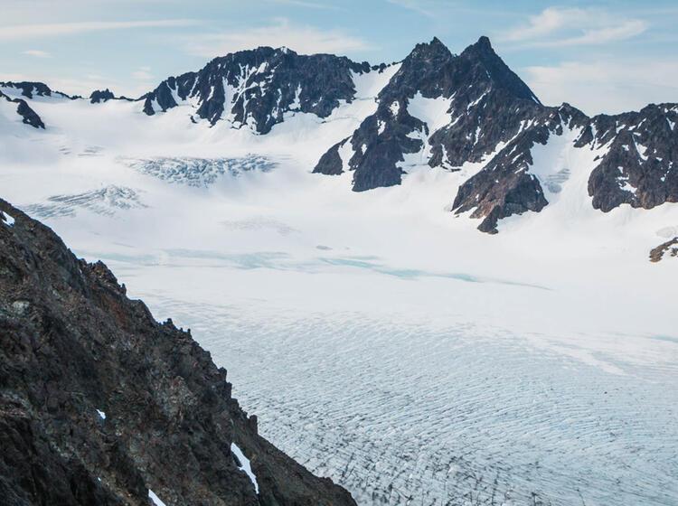Wandern Mit Gletscher Blick In Den Lyngenalpen