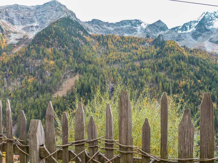 Wandern Und Geniessen In Der Traditionellen Umgebung Von Suedtirol