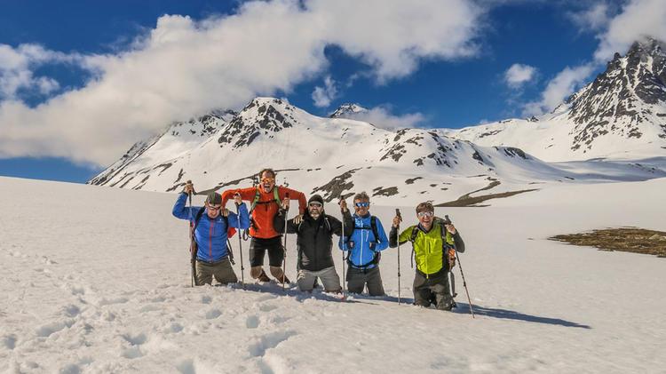 Wandern Und Schneeschuhwandern In Den Lyngenalpen