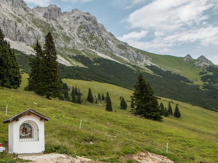 Wandern Von Ehrwald Zur Zugspitze