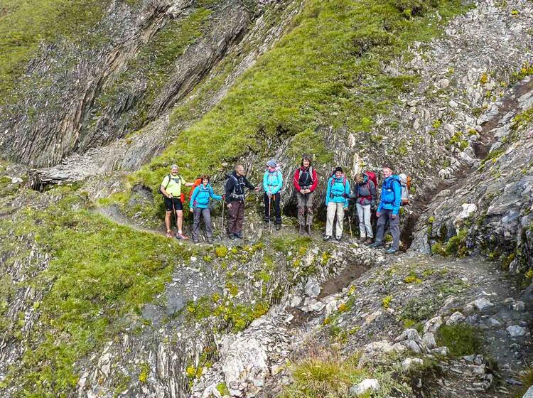 Wandern Von Huette Zu Huette Auf Der Tour Du Mont Blanc