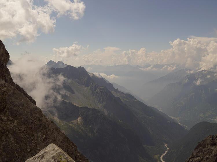 Wanderung Im Bergell Von Huette Zu Huette