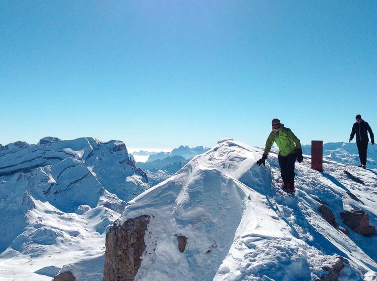 Winter Gipfel Mit Schneeschuhen In Den Dolomiten